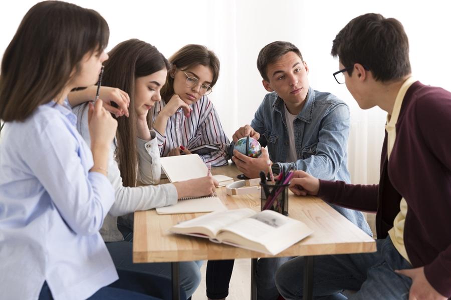 Kooperatív tanulásszervezés nélkül aligha beszélhetünk kooperatív tanulásról