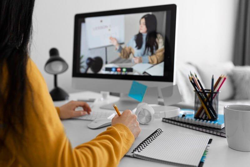 E-learning, azaz online oktatás otthonról